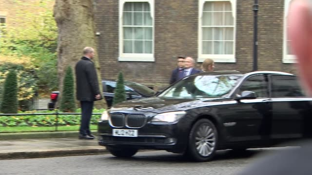 arrival of turkish prime minister england london downing street ext larry the cat on downing street / binali yildirim arriving / yildirim meets... - pms stock videos and b-roll footage