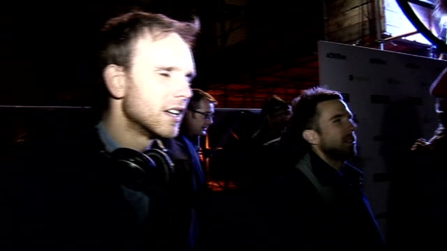 arrivals at launch of 'call of duty black ops' the hoosiers interview sot on how you pronounce 'hoosiers' huge gaming launch they were just passing... - リーサルビズル点の映像素材/bロール
