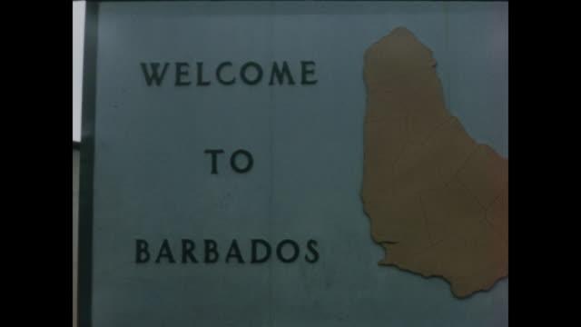 stockvideo's en b-roll-footage met 1957 arriving in barbados by ship - home movie - 1957
