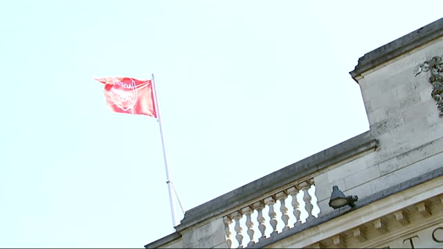 arsenal fa cup victory parade; gv islington town hall with arsenal flag flying/ - islington stock videos & royalty-free footage