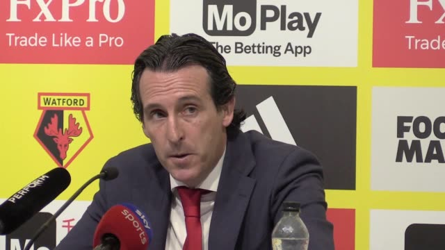 Arsenal manager Unai Emery reacts to Watford player Troy Deeney being sent off after his Premier League team won 10 away