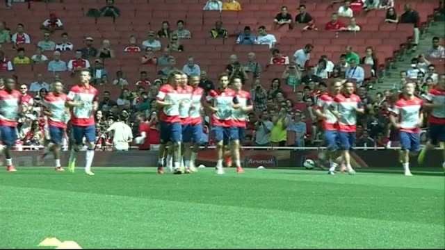 Arsenal prepare to face Manchester City in the Community Shield ENGLAND London Emirates Stadium EXT Various of Arsenal FC players training at open...