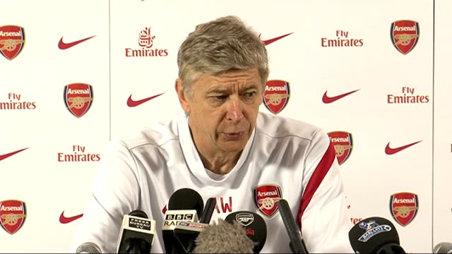 vidéos et rushes de london int arsene wenger entering press conference arsene wenger press conference sot on signing thierry henry for two months it certainly will... - respect