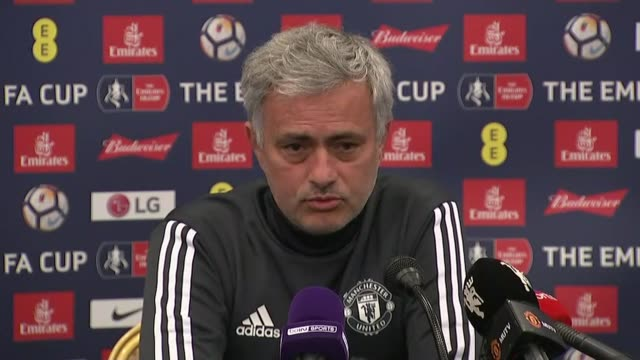 arsene wenger to leave arsenal at end of season manchester int jose mourinho press conference sot i hope he doesn't retire from football - ジョゼ・モウリーニョ点の映像素材/bロール