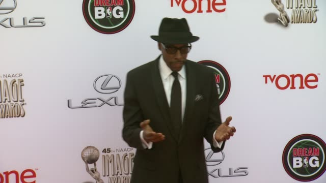 arsenio hall at the 45th naacp image awards - arrivals at pasadena civic auditorium on february 22, 2014 in pasadena, california. - arsenio hall stock videos & royalty-free footage