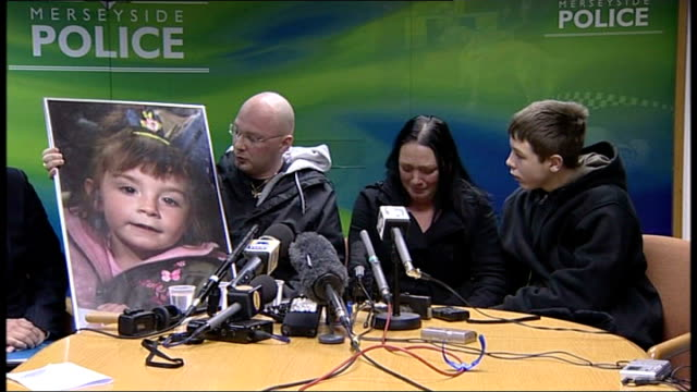 death of francesca bimpson parents make plea for help to find arsonist liverpool photography * * eleanor skelhorne seated at press conference with... - francesca bimpson stock videos & royalty-free footage