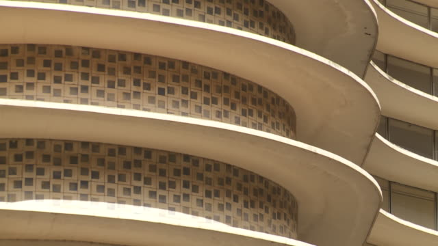 art deco architecture marks a niemeyer apartment building in belo horizonte, brazil. - アールデコ点の映像素材/bロール