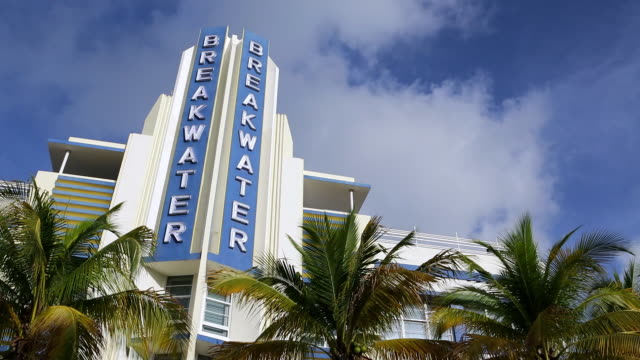 art deco district, ocean drive, south beach, miami beach, miami, florida, usa - アールデコ点の映像素材/bロール