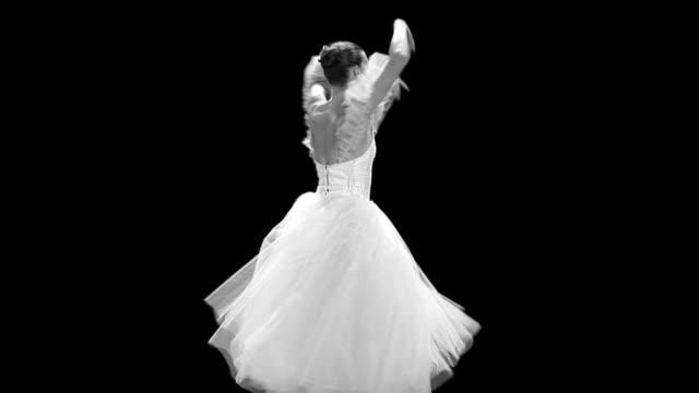 vídeos de stock, filmes e b-roll de arte de balé clássico - teatro clássico