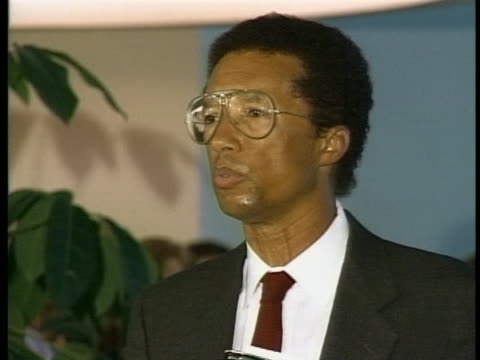 arthur ashe reveals that someone phoned usa today and told the papers - retrovirus video stock e b–roll