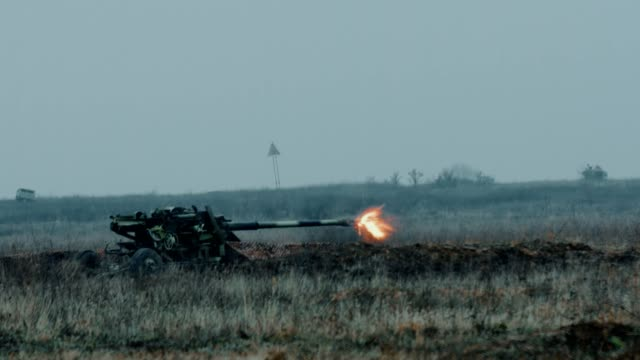 artillery firing from a cannon - infantry stock videos & royalty-free footage