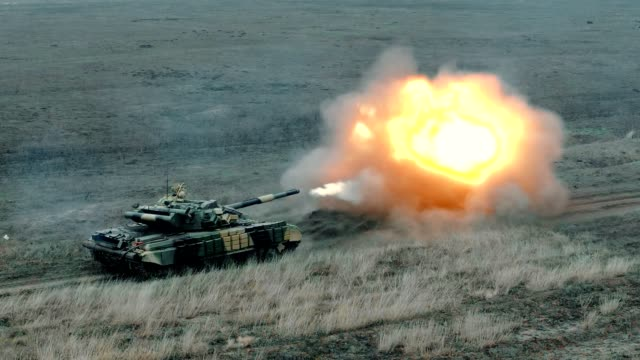 artillery tank shoots - shooting a weapon stock videos & royalty-free footage