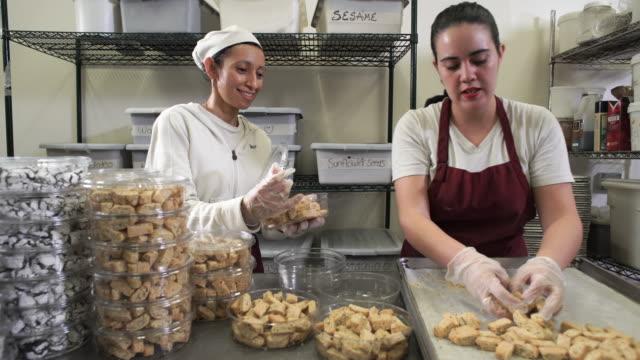 stockvideo's en b-roll-footage met artisanal bakery - foodservice