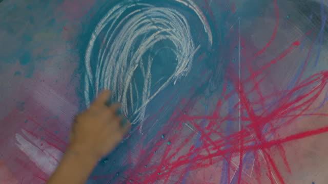 artist drawing - handgemacht stock-videos und b-roll-filmmaterial