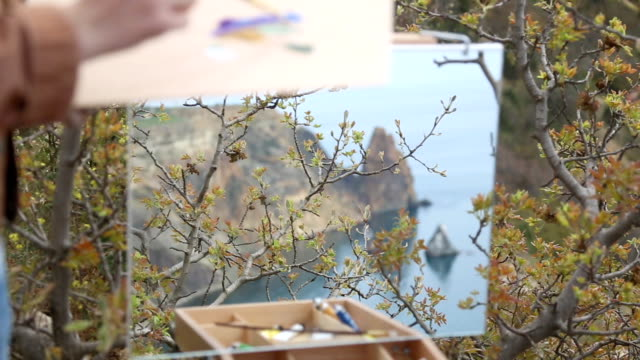 artist draws on the beautiful wild coast