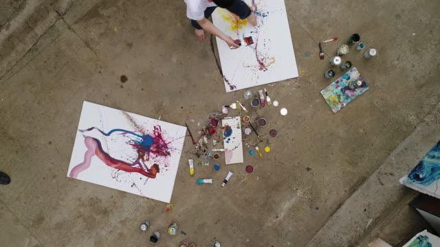Künstler, konzentrierte sich auf seine Arbeit
