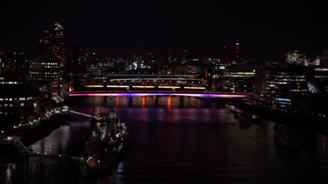 artist leo villareal and british architectural practice lifschutz davidson sandilands create the longest public art project in the world with the... - greater london video stock e b–roll
