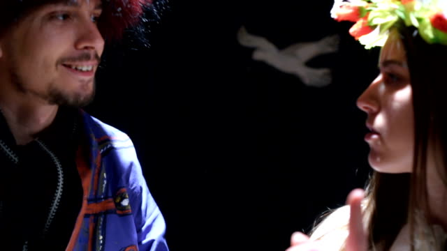 vídeos de stock, filmes e b-roll de artistas no palco do teatro - arte, cultura e espetáculo