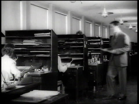 1943 ws artists working in ink & paint department at walt disney animation studios / hollywood, california, united states - animator stock videos & royalty-free footage