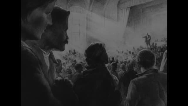 vídeos y material grabado en eventos de stock de vs artwork depicting vladimir ilyich lenin speaking before a crowd of workers / note exact year not known - lenín