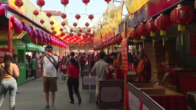 as bangkok prepares to celebrate chinese new year the new sars like virus is not expected to disrupt festivities in chinatown despite thailand... - sudden acute respiratory syndrome stock videos & royalty-free footage
