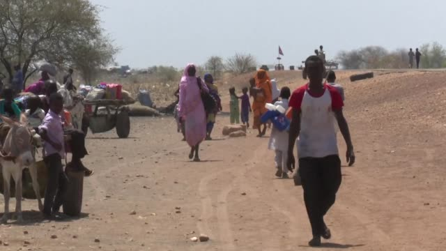 as hundreds of south sudanese fleeing famine and civil war enter sudan each day aid workers warn of a lack of vital relief supplies especially for... - conflict stock videos & royalty-free footage