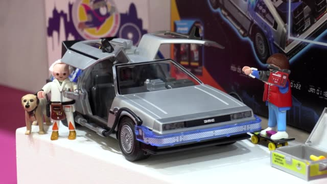 as part of this year's toy trade exhibition at london's toy fair 2020 the stand out products known as 'hero toys' include gadgets to encourage stem... - 展覧会点の映像素材/bロール