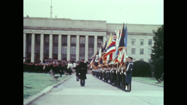 as presidential motorcade arrives military begin ceremony on pentagon grounds - pentagon stock-videos und b-roll-filmmaterial