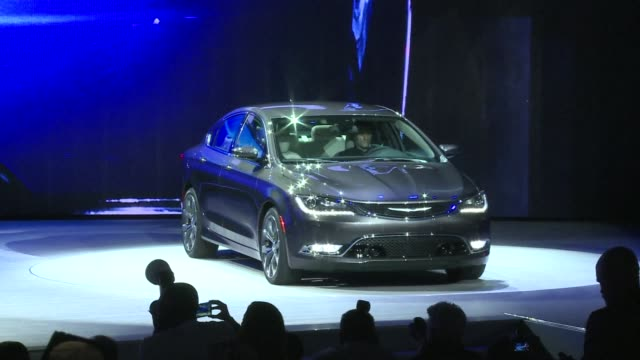 As the North American International Auto Show opened its doors on Monday Detroit marque Chrysler launched a new model in the midsize sedan segment...