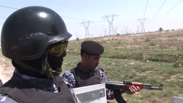 as warravaged iraq ramps up crude oil production to reach an ambitious goal of a nearly fivefold increase by 2017 it is scrambling to face the... - parallelo video stock e b–roll