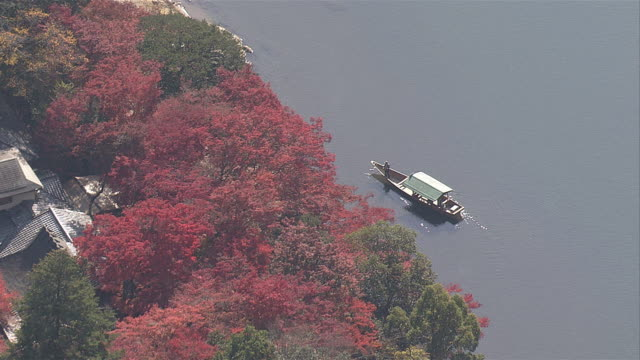 AS;Autumn leaves in Hozukyo and Katsura River.