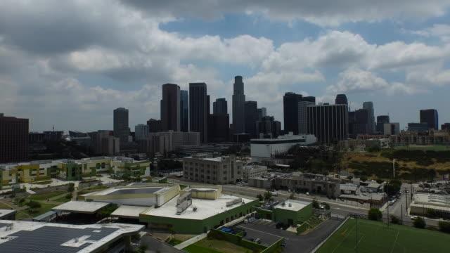 Ascendente e B-roll aérea Estação do centro da cidade de Los Angeles