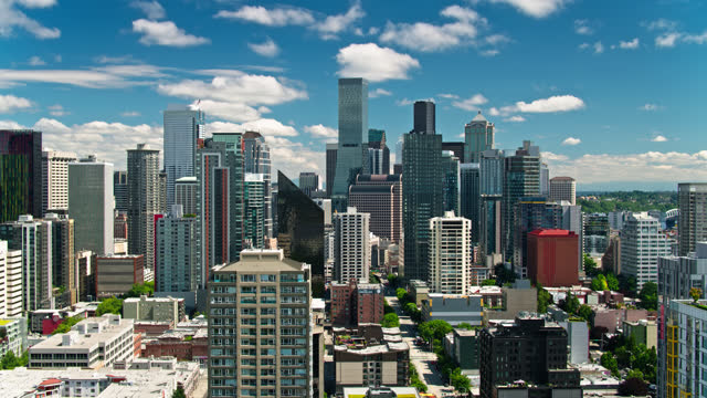 ascending drone shot of seattle office towers - establishing shot stock videos & royalty-free footage
