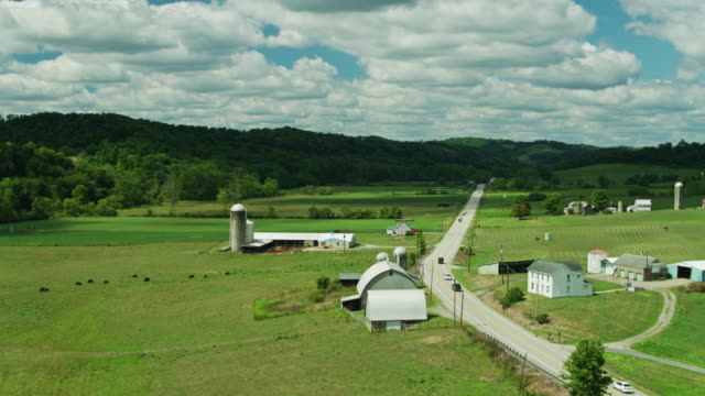 stockvideo's en b-roll-footage met ascending drone shot revealing rural western pennsylvania landscape - pennsylvania