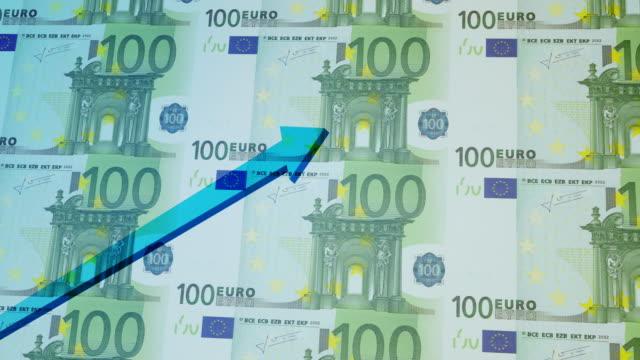 vidéos et rushes de tableau financier ascendant avec superposition de devise euro paper - engagement des clients