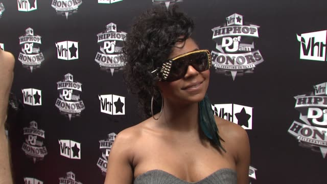 ashanti at the 2009 vh1 hip hop honors red carpet at new york ny - vh1 stock-videos und b-roll-filmmaterial