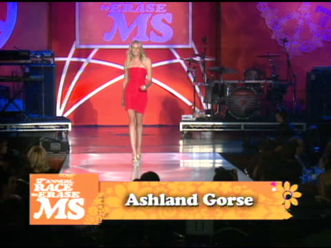 vidéos et rushes de ashland gorse at the 17th annual race to erase co-chaired by nancy davis & tommy hilfiger at los angeles ca. - gomme
