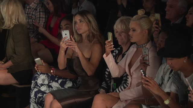 vídeos y material grabado en eventos de stock de ashlee keating and guests watch the show at john paul ataker september 2016 new york fashion week at the dock skylight at moynihan station on... - huésped