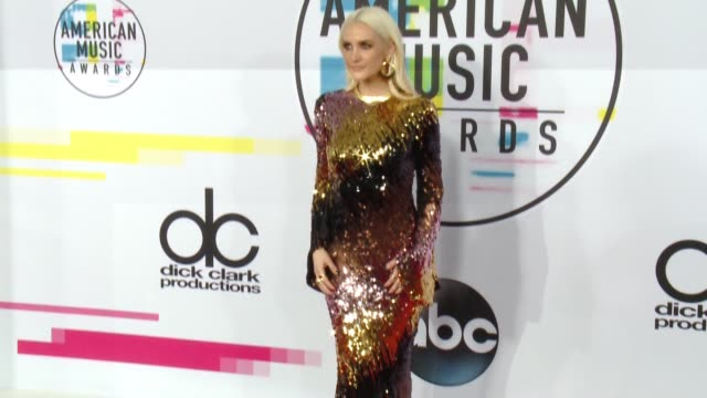 Ashlee Simpson at 2017 American Music Awards on November 19 2017 in Los Angeles California