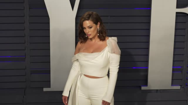 ashley graham at 2019 vanity fair oscar party hosted by radhika jones at wallis annenberg center for the performing arts on february 24, 2019 in... - vanity fair oscar party stock videos & royalty-free footage