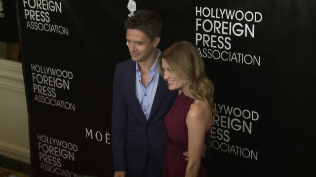 vídeos de stock, filmes e b-roll de ashley hinshaw and topher grace at the hollywood foreign press association's annual grants banquet dinner at the beverly wilshire four seasons hotel... - four seasons hotel