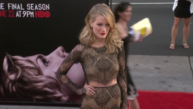 vídeos y material grabado en eventos de stock de ashley hinshaw at true blood seventh and final season premiere at tcl chinese 6 theatres on june 17 2014 in hollywood california - mann theaters