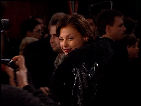 ashley judd at the 'scream 2' premiere at grauman's chinese theatre in hollywood, california on december 10, 1997. - 1997 stock videos & royalty-free footage