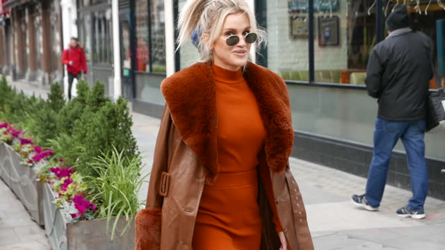 ashley roberts seen leaving heart breakfast radio studios at global radio in leicester square at london celebrity sightings - november 24, 2020 in... - breakfast stock videos & royalty-free footage