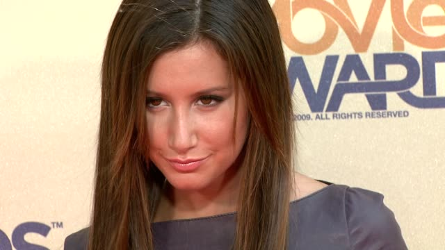 ashley tisdale at the 18th annual mtv movie awards at universal city ca - universal city video stock e b–roll