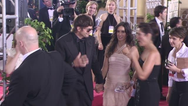 ashton kutcher and demi moore at the 66th annual golden globe awards arrivals part 8 at los angeles ca. - ashton kutcher stock videos & royalty-free footage