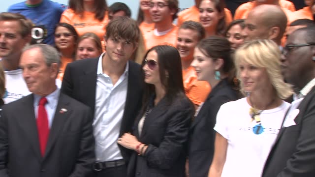 Ashton Kutcher and Demi Moore at the Entertainment Industry Foundation Announces Two Major Volunteer Initiatives at New York NY