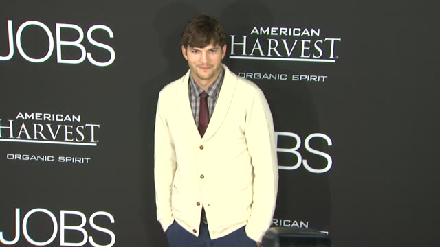 ashton kutcher at jobs los angeles premiere on 8/13/13 in los angeles, ca . - ashton kutcher stock videos & royalty-free footage