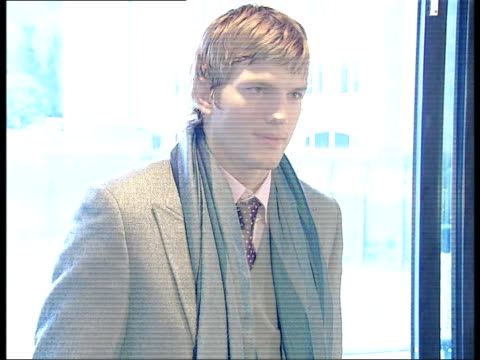 ashton kutcher photocall interview / promotional stunts in the river thames england london photography *** ashton kutcher arriving and posing for... - ashton kutcher stock videos and b-roll footage