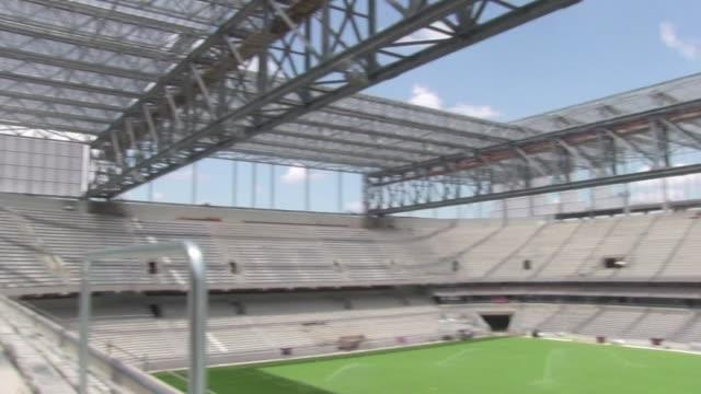 asi es el estadio arena de baixada de curitiba que casi queda fuera del mundial - südbrasilien stock-videos und b-roll-filmmaterial